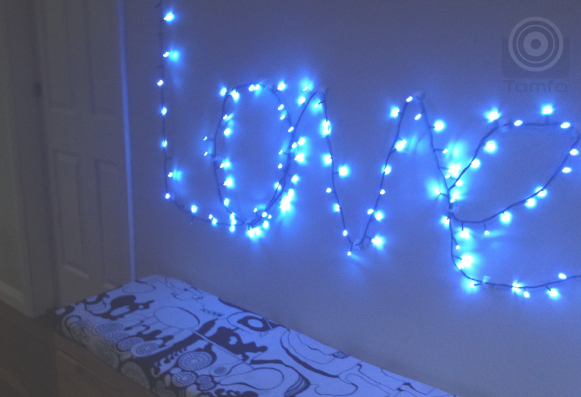 DIY Christmas lights that spell love simple to do! TOMFO