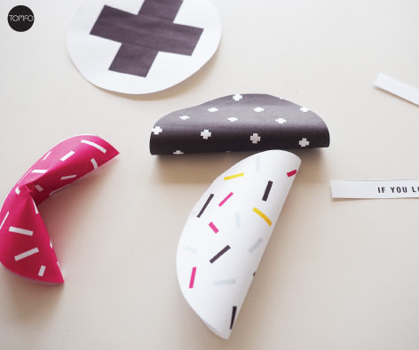 TOMFO-Fdiy-paper-fortune-cookies-fold